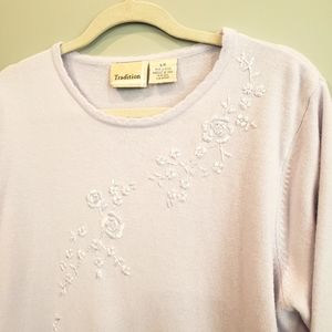 Tradition L Floral Embroidered Sweater Lilac
